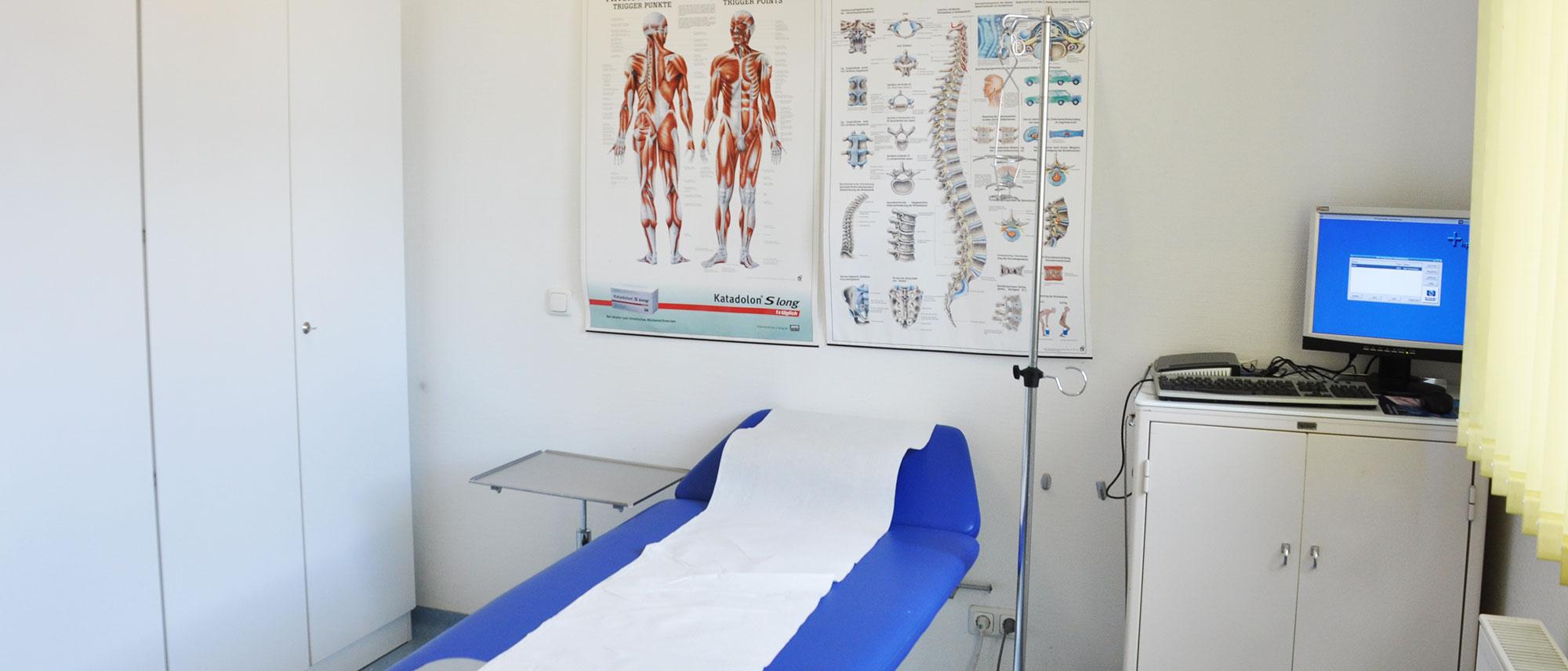 Arztpraxis Partenheim Behandlungszimmer